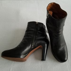 Nine West Women's Size 7.5 Leather Boots